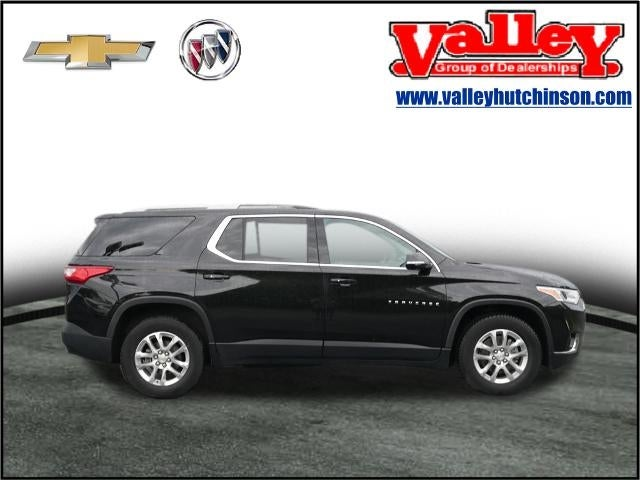 Used 2018 Chevrolet Traverse 1LT with VIN 1GNEVGKW0JJ157094 for sale in Hutchinson, Minnesota